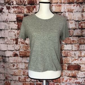 Everlane gray cotton tee with front pocket